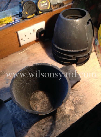 Restoring Vintage Theatre Lights - 3.. Cleaning the internals