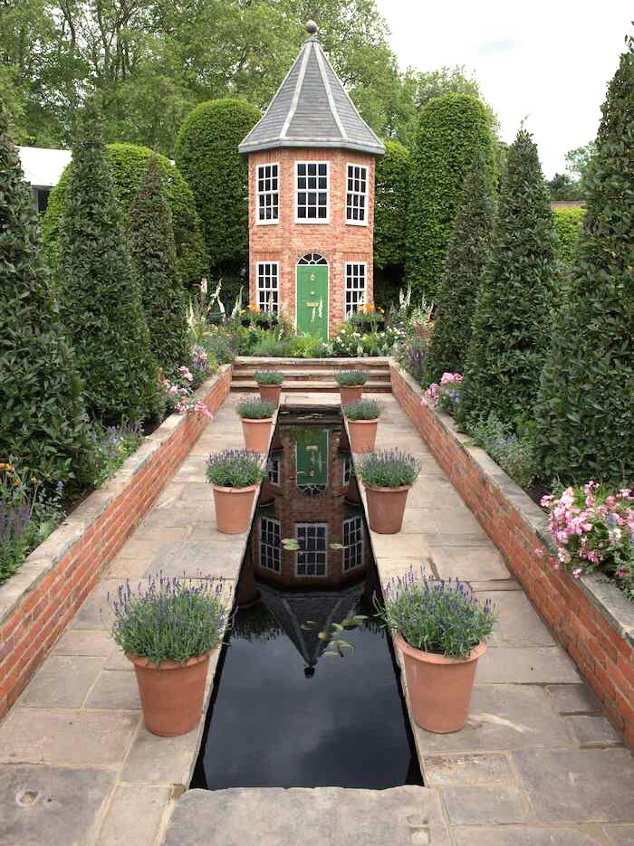 Reclaimed Yorkstone by Wilsons Yard Chelsea Flower Show Diurmuid Gavin
