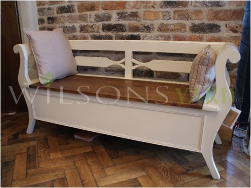 French Style Settle