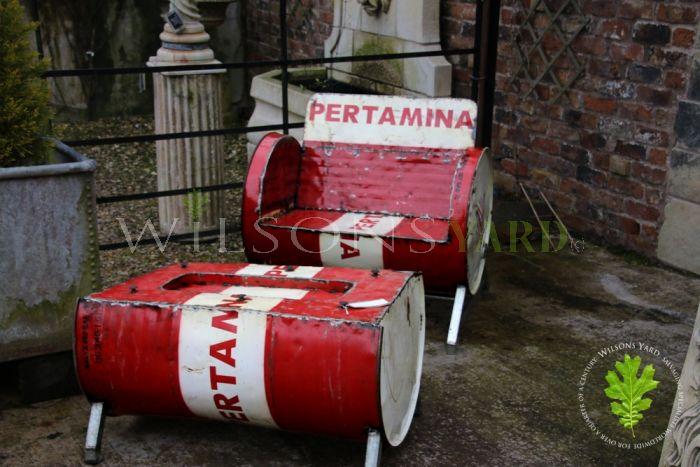 Barrel Seat Set & Table