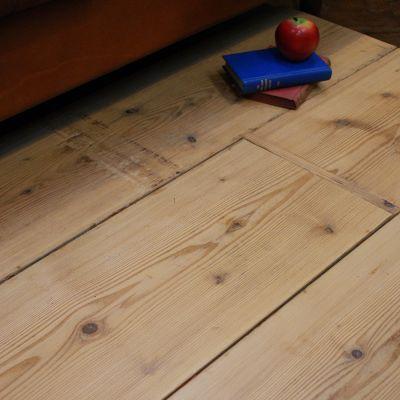 Wide plank Dutch pine wood flooring
