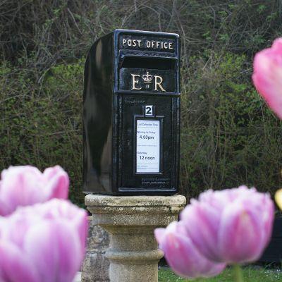 Black Post box Square Top E-R