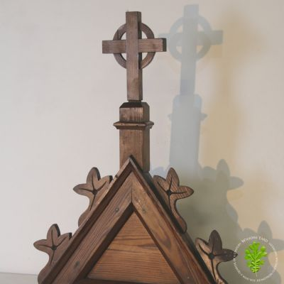 Beautiful carved Oak altar finial