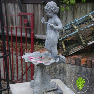 Early 20th century lead Putti fountain