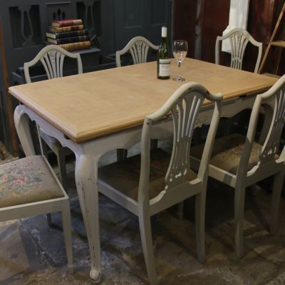 Vintage parquetry topped extending dining table with carved legs & 6 chairs