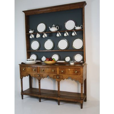 Georgian Oak dresser and rack circa 1810