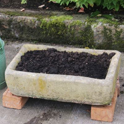 Nice simple Lincoln Stone trough