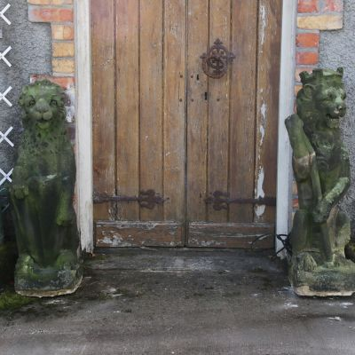 Pair of Georgian stone lions circa 1800.
