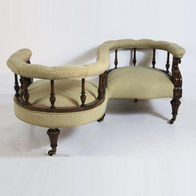 Superb Victorian Walnut conversation seat (circa 1870)