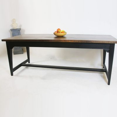 Bespoke Cottswold tapered stretcher kitchen table made to order
