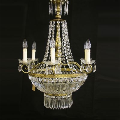 Beautifully restored French Sac De Pearle chandelier