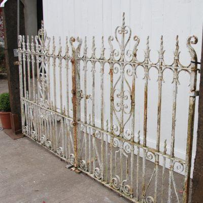 Pair of original Edwardian white driveway / entrance gates