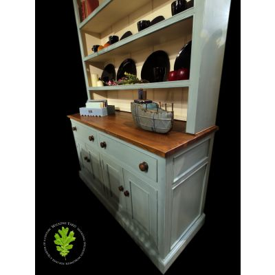 Traditional country dresser with open plate rack