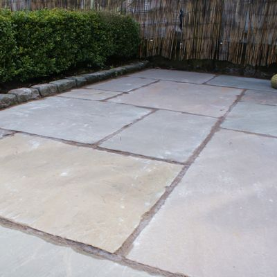 Courtyard Sandstone Paving / Flags