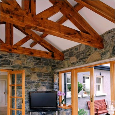 King post truss with straight struts in Oak