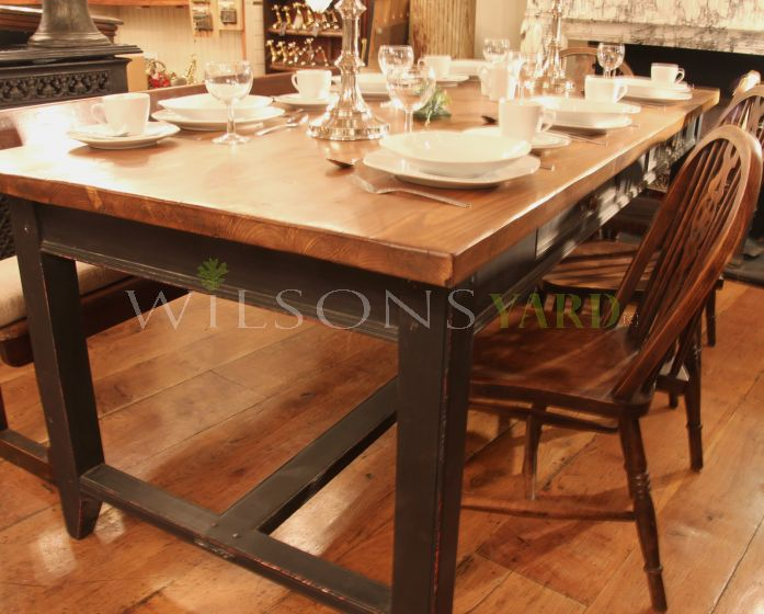 Traditional Country Kitchen Refectory Table - Pine