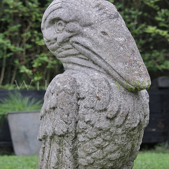 Stone bird garden feature