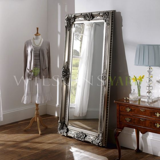 Beautiful silver gilt mirror with beveled glass