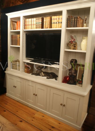 TV/Entertainment Cabinet with 3 bottom cupboards
